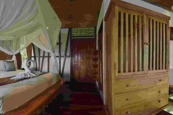 12. Suite glass floor- Napo Wildlife Center